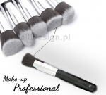 Brush for applying cream, liquid and mineral products